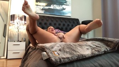 Homemade body shaking orgasm