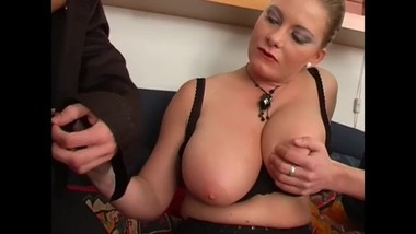 Busty MILF blonde Veronika Pagacova threesome
