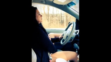 Milf masturbating while driving to work TEASER