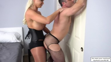 Sex Therapist London River Fucks His Ass