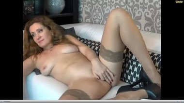 Hot older lady squirts